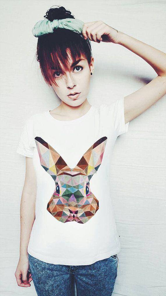 Geometrische konijn t-shirt hand van FamousLivingDeadFLD op Etsy