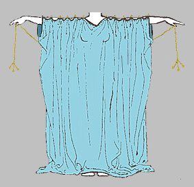 Chitón , rectángulo de tela que no tenia costura abrochado por fíbulas (imperdibles). El largo era hasta los tobillos. Las jóvenes casadas lo usaban con un cinturón.