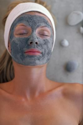 Activated charcoal draws bacteria, poisons, chemicals, dirt and other micro-particles to the surface of skin, helping you to achieve a flawless complexion and fight acne. Charcoal is not metabolized, adsorbed or absorbed by the body, but it can be used to treat some poisonous bites and disinfect some wounds. Activated charcoal powder is proven to adsorb thousands of times its own mass in harmful substances, which makes it a popular ingredient in facial masks.