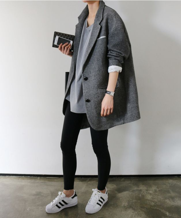 #beauty #style #fashion #woman #clothes #outfit #wearable #casual #look #fall #autumn #winter #gray #oversized #sweater #blazer #black #leggins #superstar #adidas #trainers