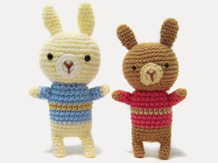 i crochet things: Free Pattern: Sweater Bunny Amigurumi