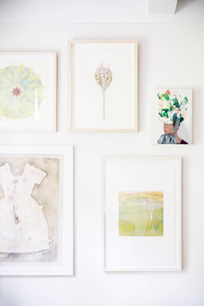 Style Me Pretty in Domino MagazineWall Art, Home Tours, Pale Frames, Gallery Walls, Gallerywall, Domino Magazines, Art Wall, Mag Features, Abbie Larson