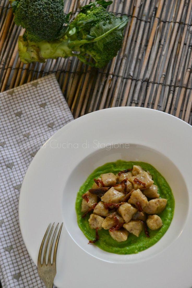 La Cucina di Stagione: Gnocchi di pane nero, crema di broccoli e acciughe...