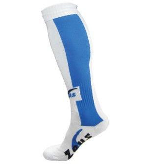 Fehér-Királykék Zeus Dual Sportszár nehezen tépődik, kopásálló, könnyen festhető, tartós, kényelmes, könnyen szárad a Zeus Dual Sportszár. Spandex anyagnak köszönhetően, nagyon rugalmas, lábra simuló, ebből készülnek például a bringás nadrágok, futónadrágok és a birkózónadrág is. Fehér-Királykék Zeus Dual Sportszár Fiú-Lány és Senior-felnőtt méretben és további 5 színkombinációban érhető el.