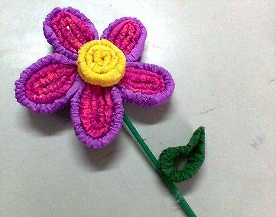 Flor con papel crepe corrugado para ni os manualidades - Manualidades con papel ...