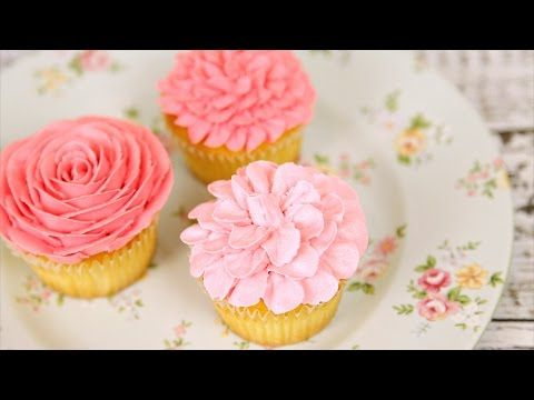 Amazing Buttercream Flower Cupcakes - cute flower starts at 2:00