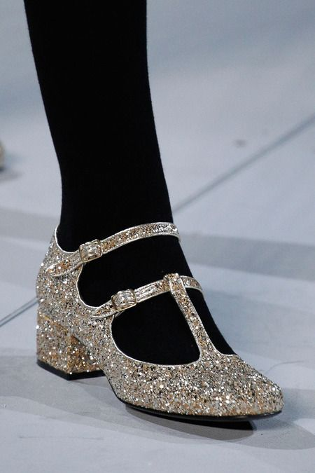 Yves Saint Laurent, Fall 2014, fashion, moda, glitter shoes, zapatos con purpurina, otoño www.PiensaenChic.com