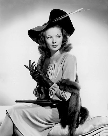 the stunning Gene Tierney in real 40s glamour Classic Hollywood Stars. Vintage style.