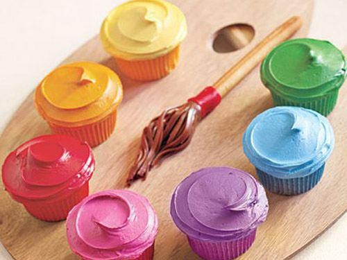 palette of cupcakes