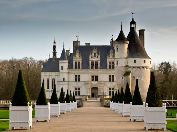 Visit www.mondinion.com/Castles_for_Sale/country/France/ for more #castles and #palaces from #France and not only.