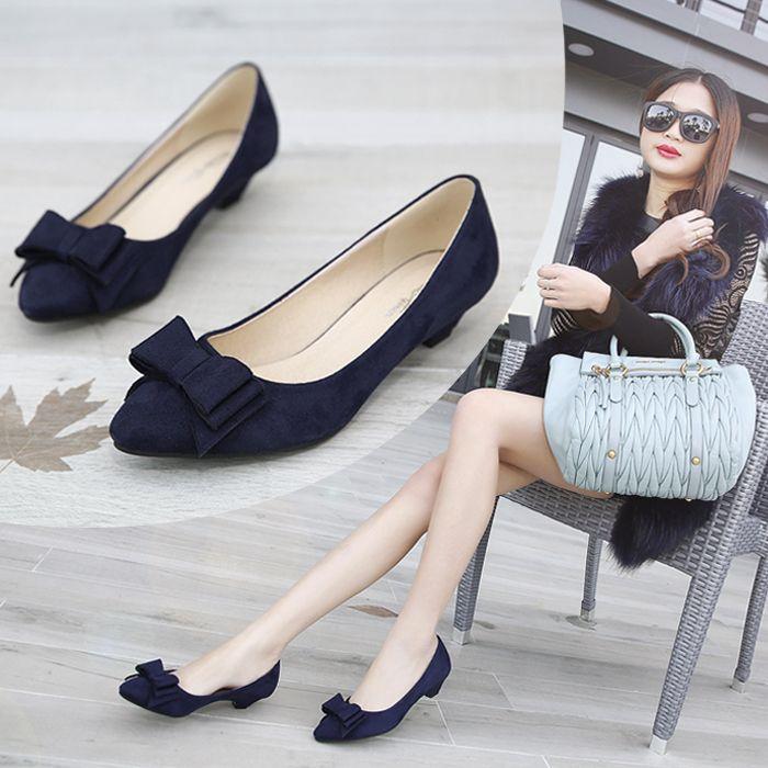 Encontrar Más Bombas Información acerca de 2015 resorte del talón grueso arco de boca superficial señaló dedo del pie zapatos de tacón bajo negro 41 mujeres de los zapatos de tacón alto, alta calidad Bombas de Liyong Xu 's store en Aliexpress.com