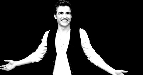 I just want to stare forever at the Franco smile. i can't even handle it.