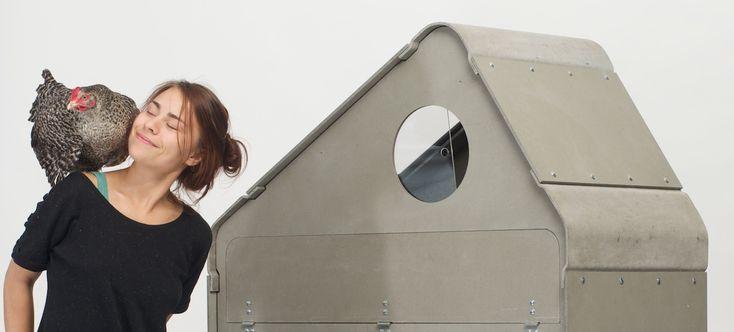 Yamuna Valenta designte einen Hühnerstall für den Balkon. Im Interview mit…