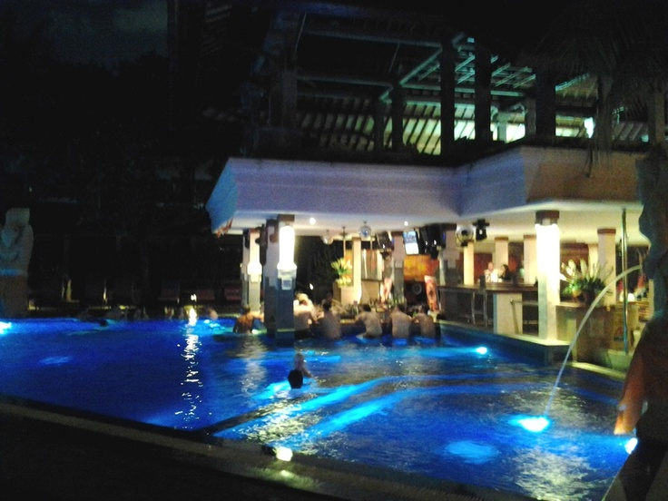 Bounty Hotel in Bali - Party Time!