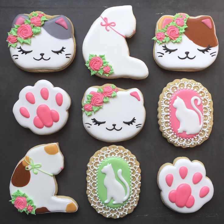Happy first day of Spring! Here are some cute cats from a baby shower set  #cookies #sugarcookies #cookieart #customcookies #decoratedcookies #cookiedecorating #cats #catcookies #babyshower #babyshowercookies #wichita #ks #kansas #ict