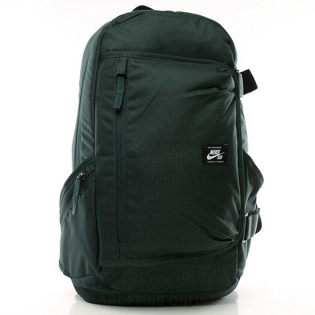 Mochila Nike SB Refugio. Diseñado para que puedas llevar tus cosas con seguridad y comodidad. Posee porta SKATE. Medidas aproximadas:49,5cm x 30,4cm x 10cm (...