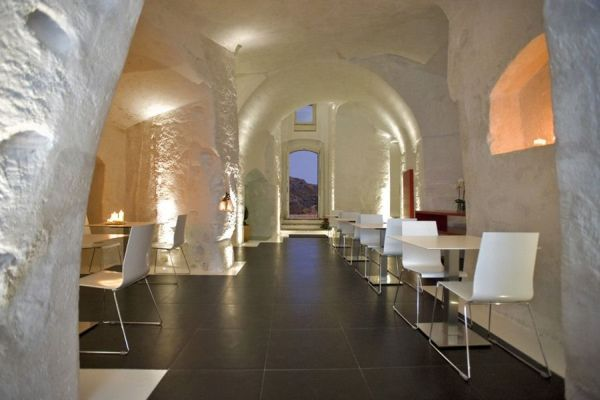 The elegant Hotel Basiliani – a mix of contemporary and ancient features
