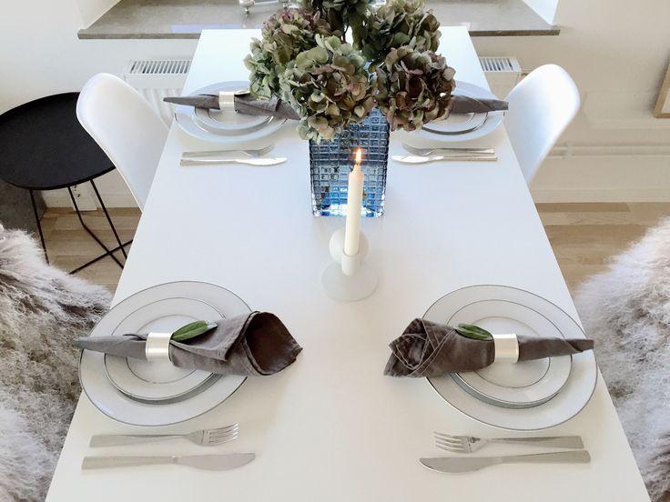 Saturday table setting