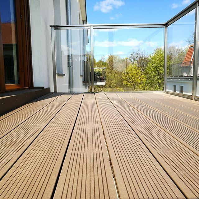 Oferujemy deski z kompozytu drewna na tarasy ale także elewacje pomosty i ogrodzenia. To ciekawa alternatywa dla tradycyjnego drewna  . . . #taras #terrace #deski #boards #wpc #ogrodzenie #ogrod #woodplasticcomposite #kompozyt #elewacja #budowa #budowadomu #inwestycje #deska #arcitekci #pomost #deskitarasowe