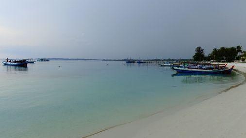 Pantai_Tanjung_Kelayang_7.jpg