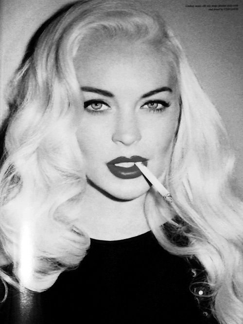Lindsay lohan pink hair cigarette
