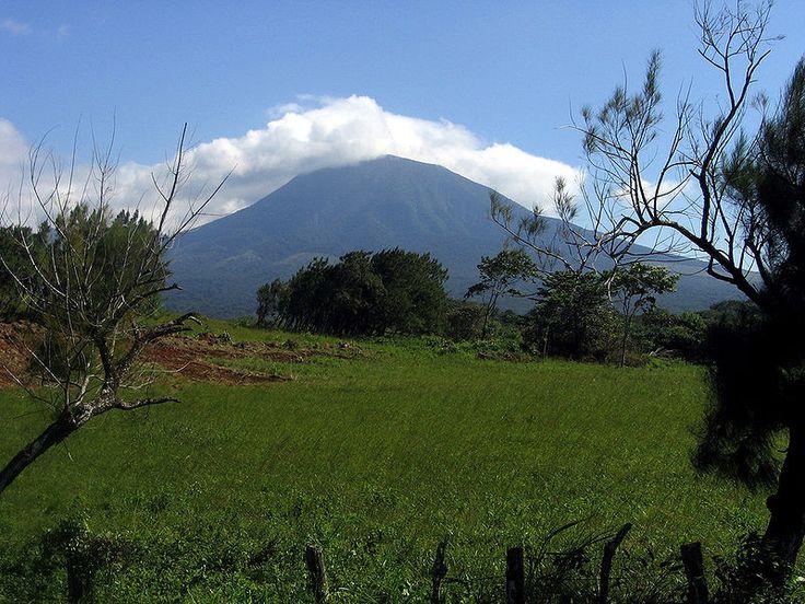 Volcán Rincón de la Vieja, Guanacaste, Costa Rica - Rincón de la Vieja Volcano, in the National Park of the same name in Costa Rica