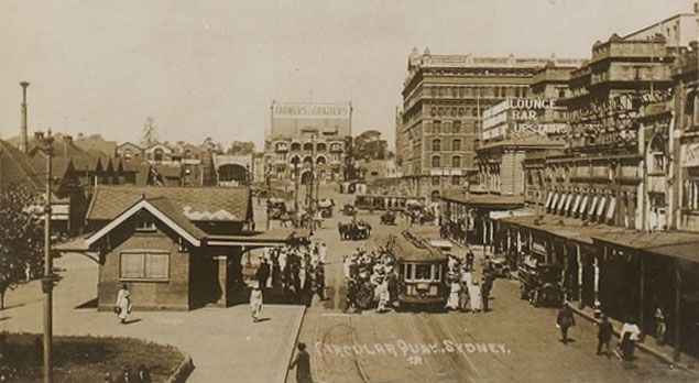 1925 Circular Quay was a tram terminus.