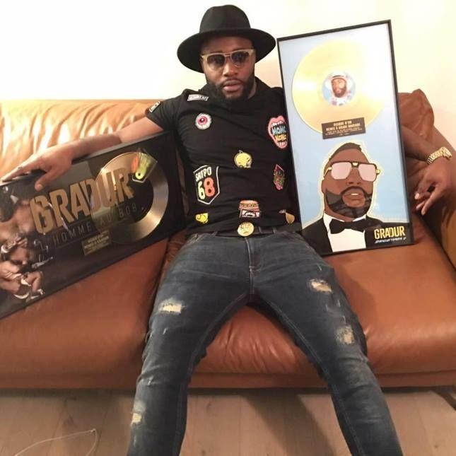 """ Sheguey vara 2 "" l'album de Gradur (@GRADIDUR)certifié disque d'or !  http://xfru.it/xSY9JH"