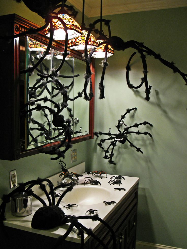 great idea for a halloween party it doesn - Halloween Bathroom Decorations