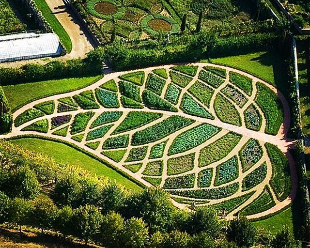 Jardin La Chatonniere, France... that's one hell of a mowing headache!! #architecture #homedesign #lifestyle #style #buildingdesign #landscapedesign #conceptdesign #interiors #decorating #interiordesign