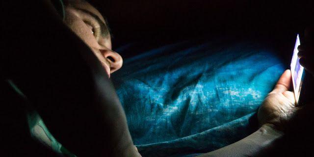 Ramai Tidak Tahu 4 Cara Tidur Yang Sering Diamalkan Ini Punca Berat Badan Naik   Ramai antara kita yang merasa pelik mereka jaga makan tetapi berat badan mereka naik tahukah anda bahawa selain menjaga makan tidur juga mempengaruhi kenaikian berat badan jika tidak dijaga.    Ramai Tidak Tahu 4 Cara Tidur Yang Sering Diamalkan Ini Punca Berat Badan Naik  Biasanya waktu tidur normal seseorang adalah antara 8 jam sehari namun ramai antara kita tidur lewat atau kurang daripada 5 jam sehari.  Tapi…