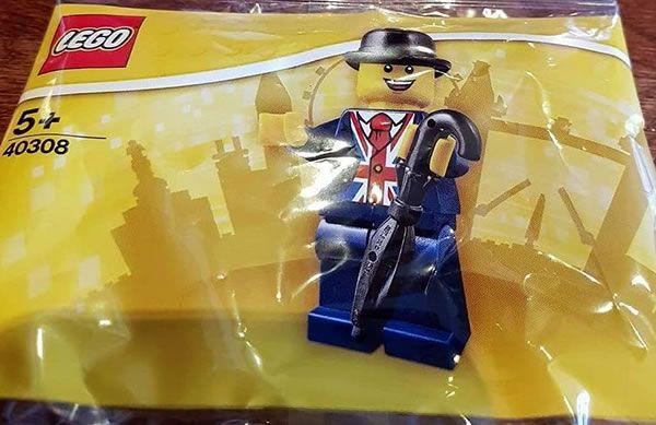Lester, la mascotte du LEGO Store de Leicester Square, revient dans un polybag: Souvenez-vous, en novembre 2016, LEGO inaugurait sa… #LEGO