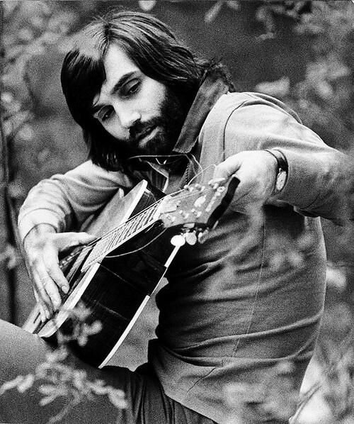 Having previously been dubbed 'El Beatle', former @manutd star George Best lives up to the name as he tries his hand at guitar.
