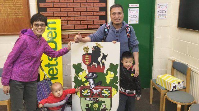 England: Wie der ChineseHuang Wenbin den Runcorn Linnets FC besuchte - SPIEGEL ONLINE