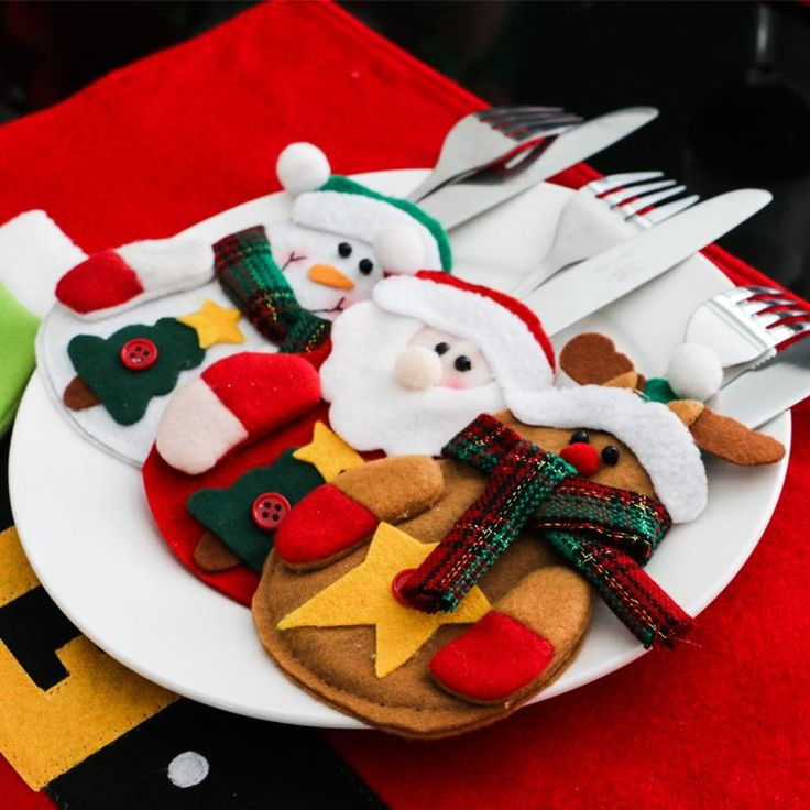 12pcs Set Snowman Santa Claus Elk Cutlery Suit Holders Pockets Knifes Forks Tableware Bags Christmas