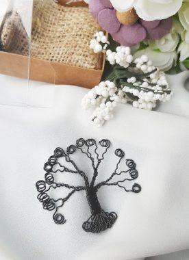 Ağaç broş