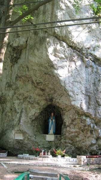 Figurka Matki Boskiej w skale - Ojców