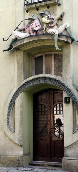 Art Nouveau - Maison 'aux Grenouilles - Bielsko Biała - Pologne.....love it! Especially since we recently finished reading Wind In The Willows :)