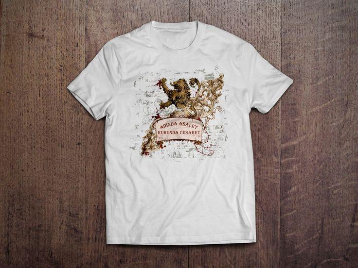 Adında Asalet T-Shirt'ü 29,99 TL www.sariylakirmizi.com - %100 Pamuklu  - Emprime Baskılı - 1. Sınıf Standart Basic Penye T-Shirt - Regular Fit