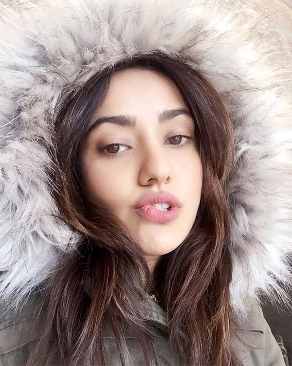 Guru Of Movie: Neha Sharma Actress Of Tum Bin 2 Movie
