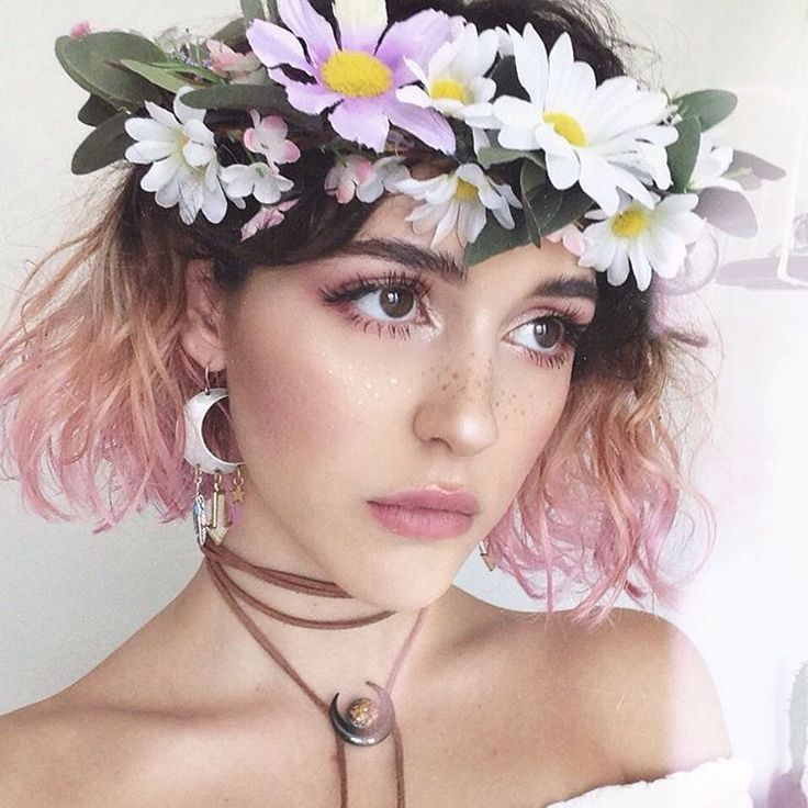 """// McKenna Kaelin // on Instagram: """"Pixie makeup video is going up tonight (later tonight cause I'm still editing)  and I finally re-did my hair. If there wasn't so much upkeep & bleaching involved I would totally go full pink."""""""