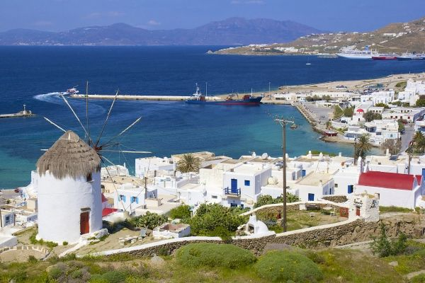 Panorama to Mykonos Town from a good spot