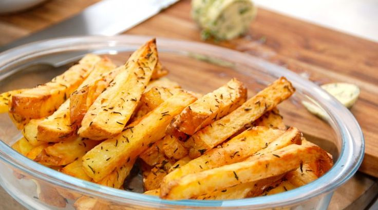 Intervalstegte pommes frites i ovn giver altid sprøde fritter. Brug helst store…