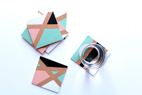 Lovely easy tutorial: How to Make Color Block Coasters, via Tuts+. #freetutorial #craft #easy #DIY #coasters #colorblock #cork