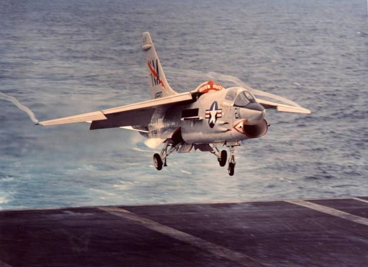 @ClassicNavalAir Iconic shot of a VF-194 Red Lightning ...