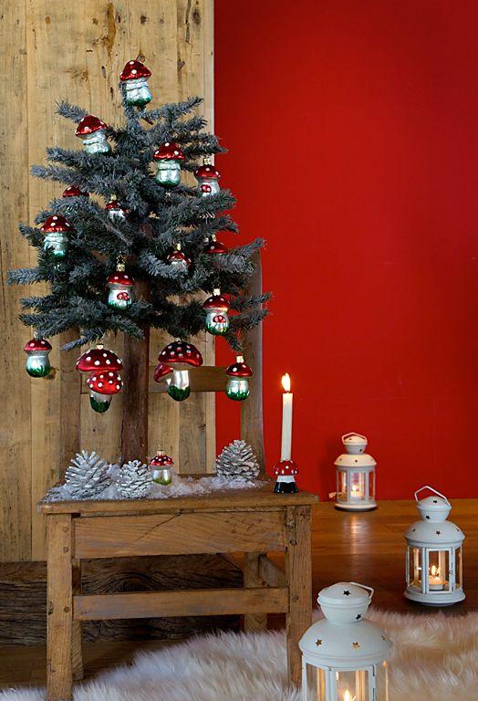 Weihnachten Im Chalet Stil   Festliche Deko Mit Alpen Charme:  Winterwald Stimmung Mit Glitzernden Pilzanhängern Und Laternen