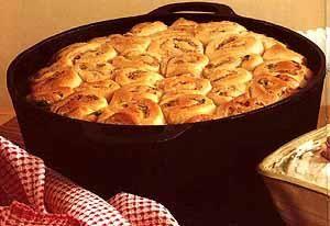 Resep : Koskapperjolle 2 BILTONG POTBREAD DOUGH • 240 g Cake flour (500 ml) • 20 ml Baking Powder • 2 ml Salt • 5 ml Mustard powder • 100 g Butter • Approximately 100 ml Milk • 1 Egg ...