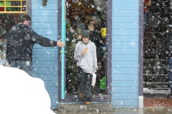 Angelina Jolie Photos Photos - Actress Angelina Jolie is spotted out getting ice cream with her kids Shiloh and Knox in Crested Butte, Colorado on January 2, 2016.  Angelina is enjoying a winter vacation with her kids minus her estranged husband Brad Pitt with whom she split with late last year. - Angelina Jolie Takes Her Kids Out For Ice Cream