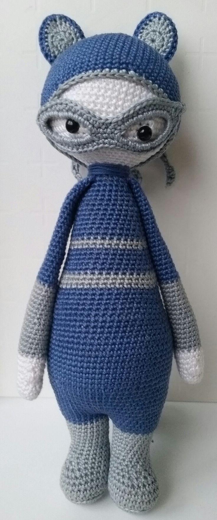 Roco raccoon made by Waida / crochet pattern by lalylala