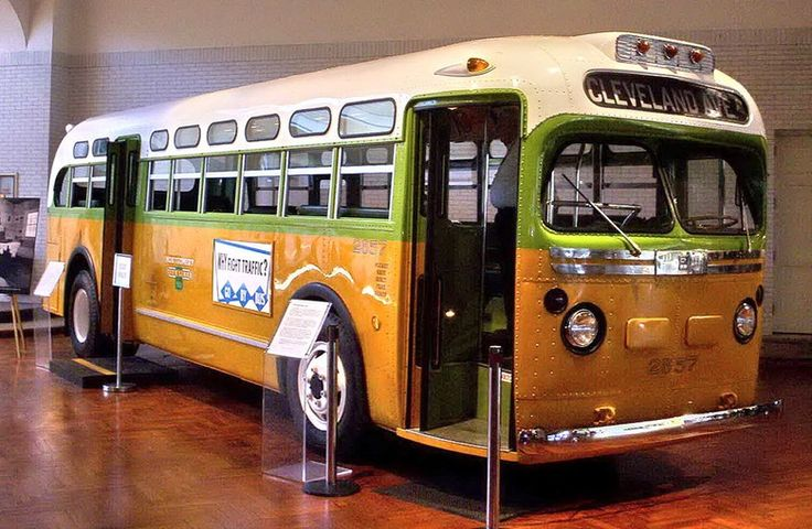 13 Facts About Rosa Parks You Might Not Know, In Honor Of Her Birthday | Bustle